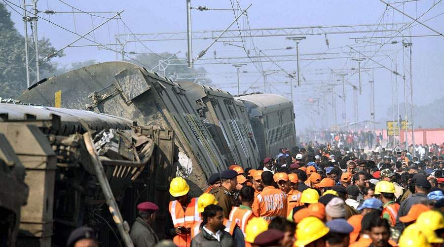 train-accident-5