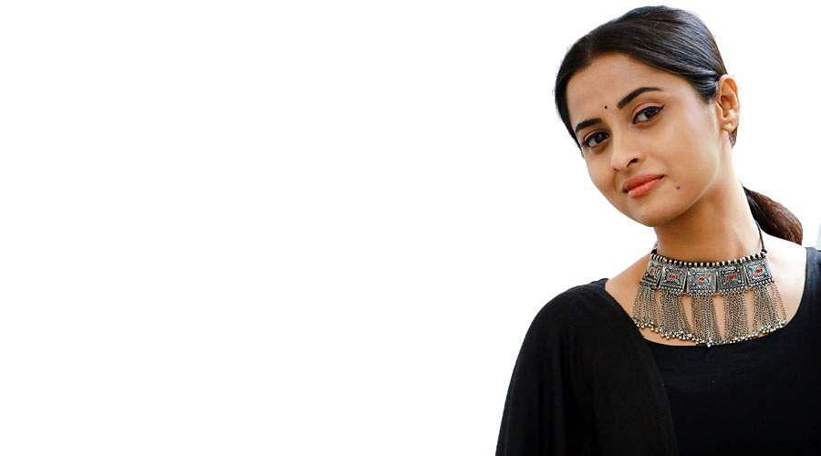 Actress-Arthana-Binu-16