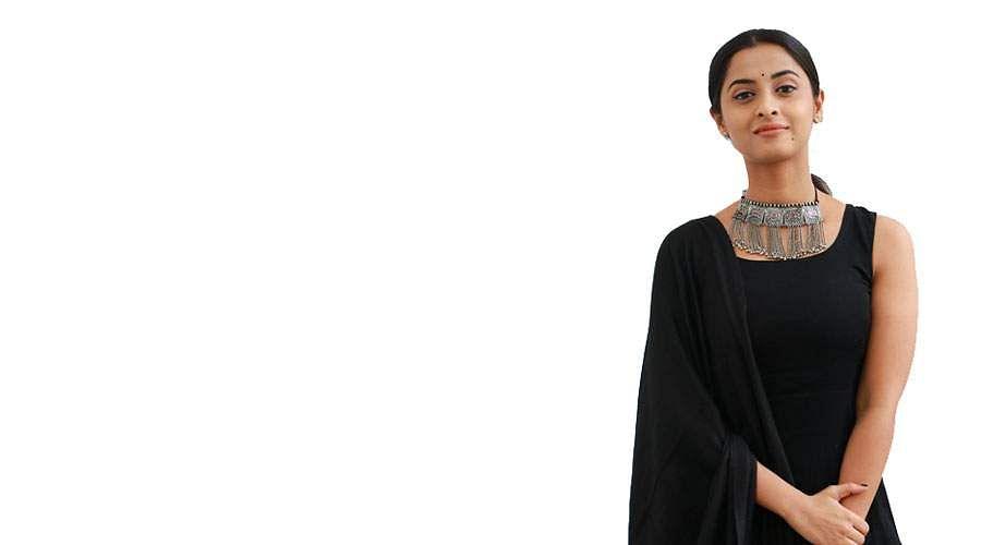 Actress-Arthana-Binu-3