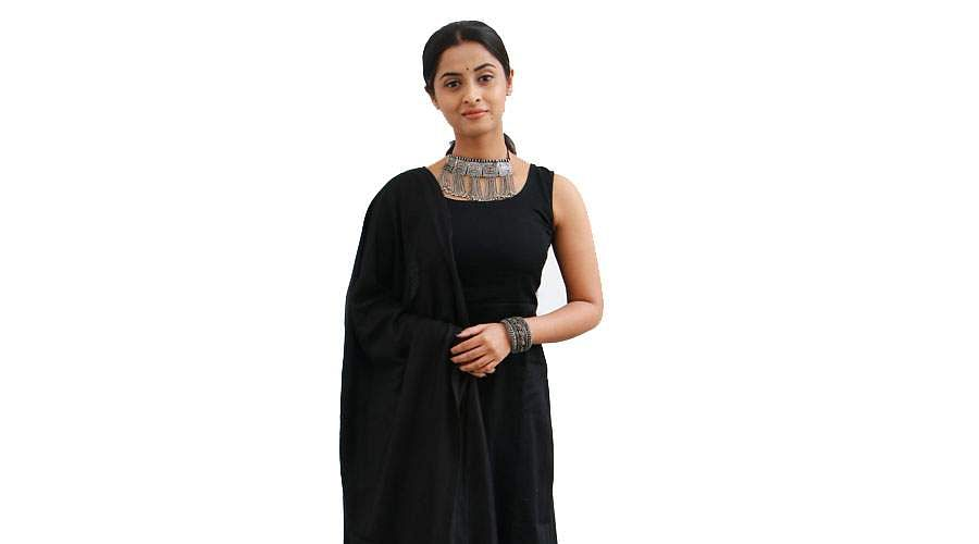Actress-Arthana-Binu-4