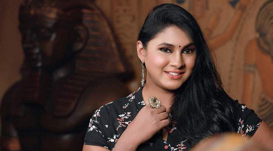 Actress_Puvisha_-1