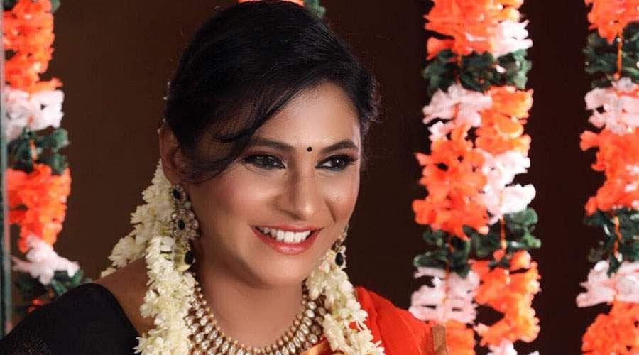 Actress_Puvisha_-5