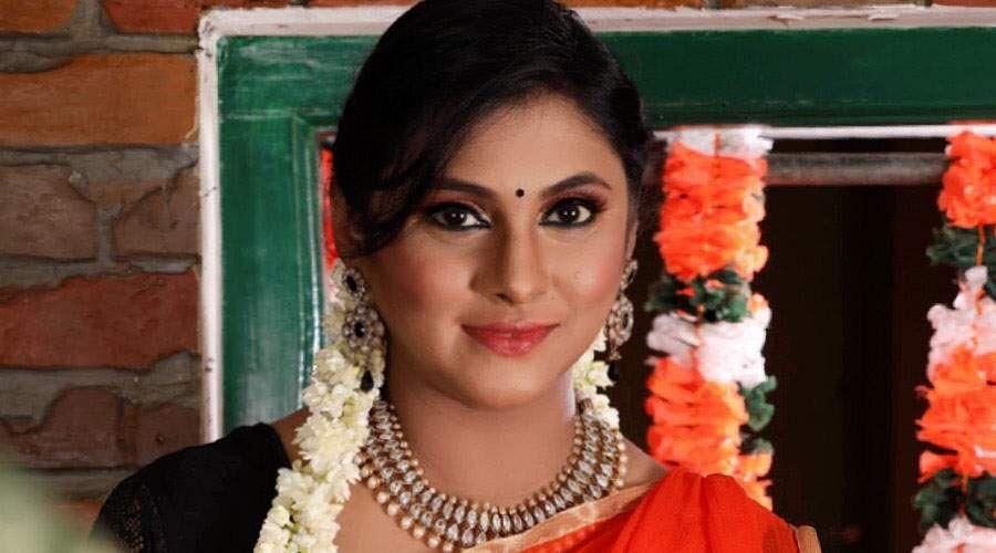 Actress_Puvisha_-6