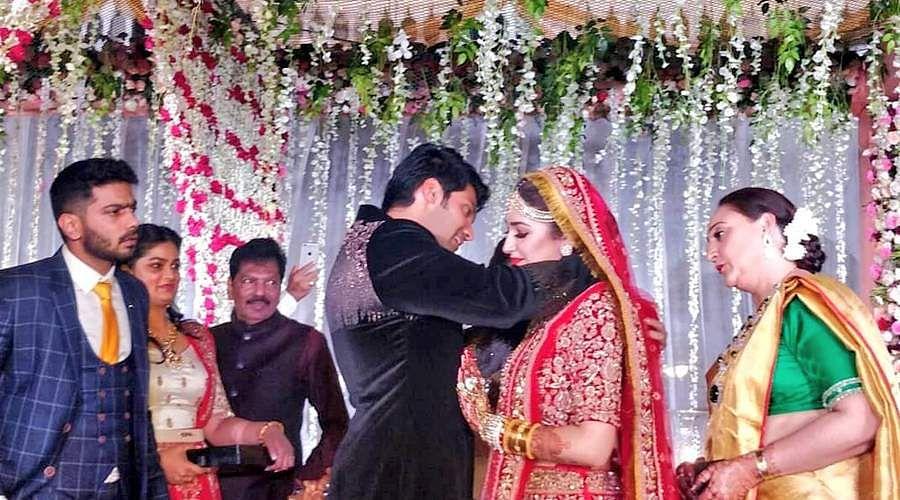 arya-sayyeshaa-wedding