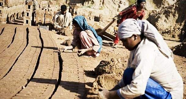 theater-performance-on-bonded-labour