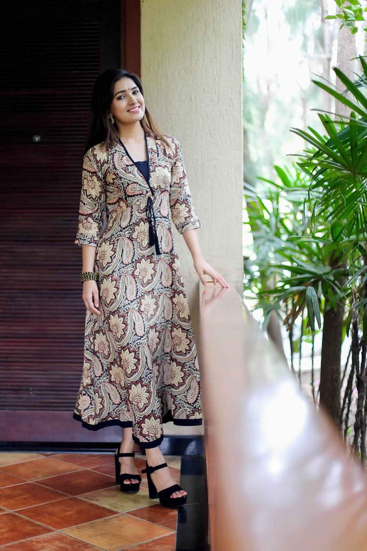 Actress-Vani-Bhojan-14