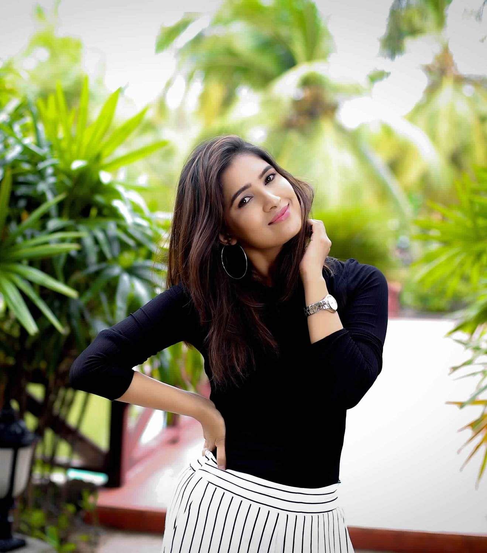 Actress-Vani-Bhojan-2