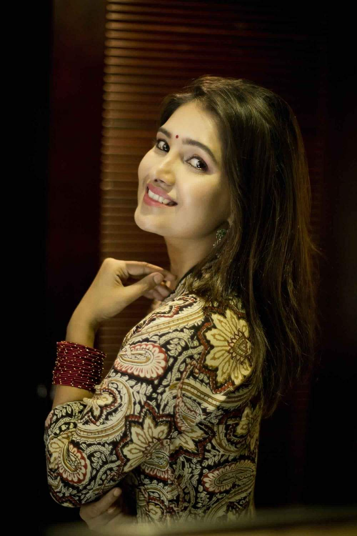 Actress-Vani-Bhojan-5
