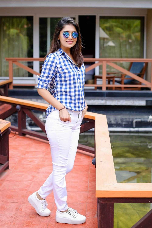 Actress-Vani-Bhojan-9