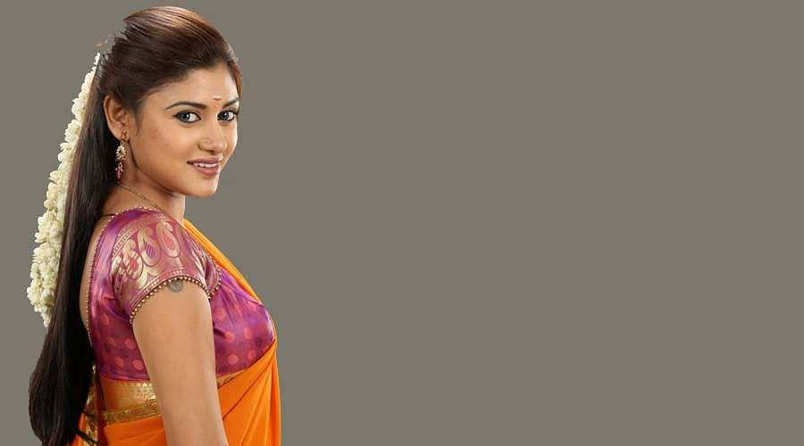 Oviyavai-Vitta-Yaru-Movie-5