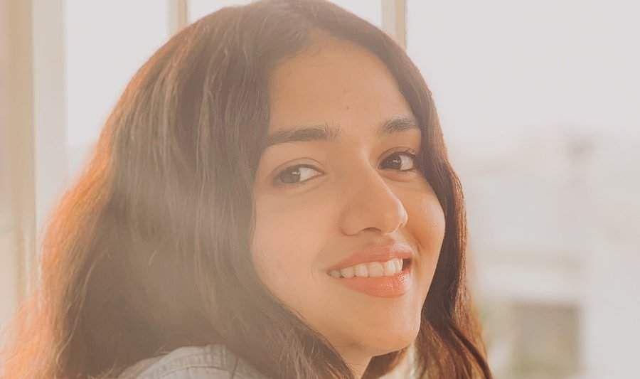 மஹாராஷ்டிராவிலிருந்து வந்த நான் தமிழில் டப் செய்துள்ளேன்: நடிகை சுனைனா பெருமிதம் Sunaina9xx