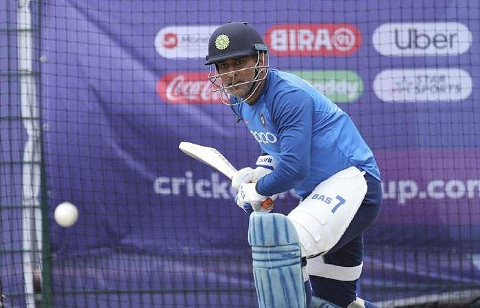 உலகக் கோப்பை கிரிக்கெட் போட்டி- இந்தியா தனது  6-ஆவது லீக் ஆட்டத்தில் மேற்கிந்தியத் தீவுகளை  இன்று எதிர்கொள்கிறது.  Dhoni