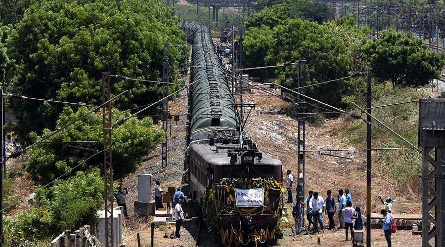 water-train-pooja-10