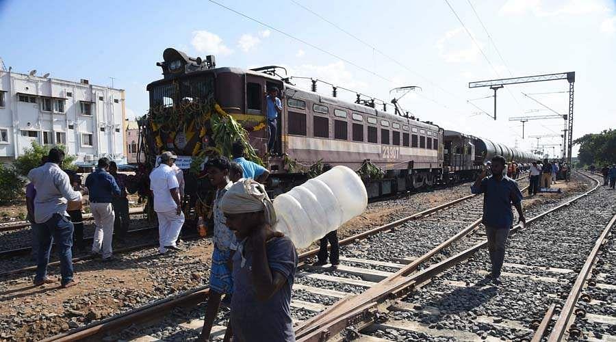 water-train-pooja-5
