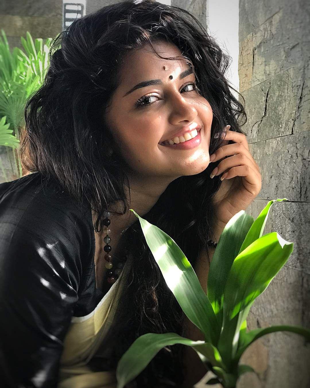 anupama_parameswaram-13
