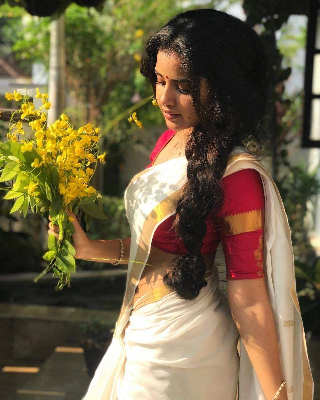 anupama_parameswaram-30