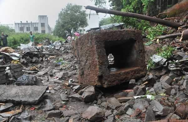 Pune_wall_collapse