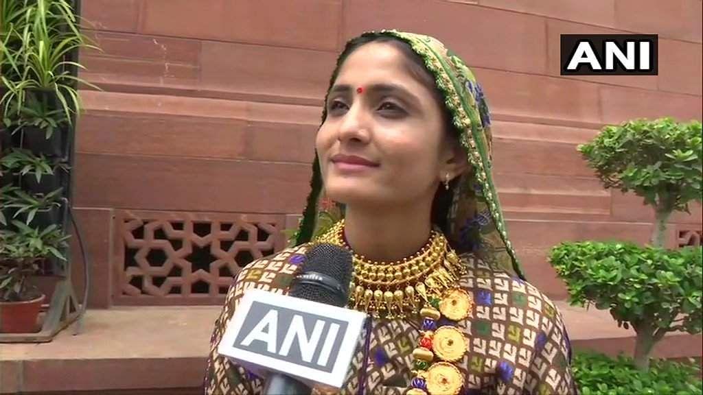 Gujarati_folk_singer_Geeta_Rabari
