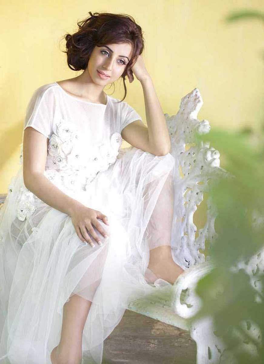 Actress_Sanjjana_Galrani_Stills_003