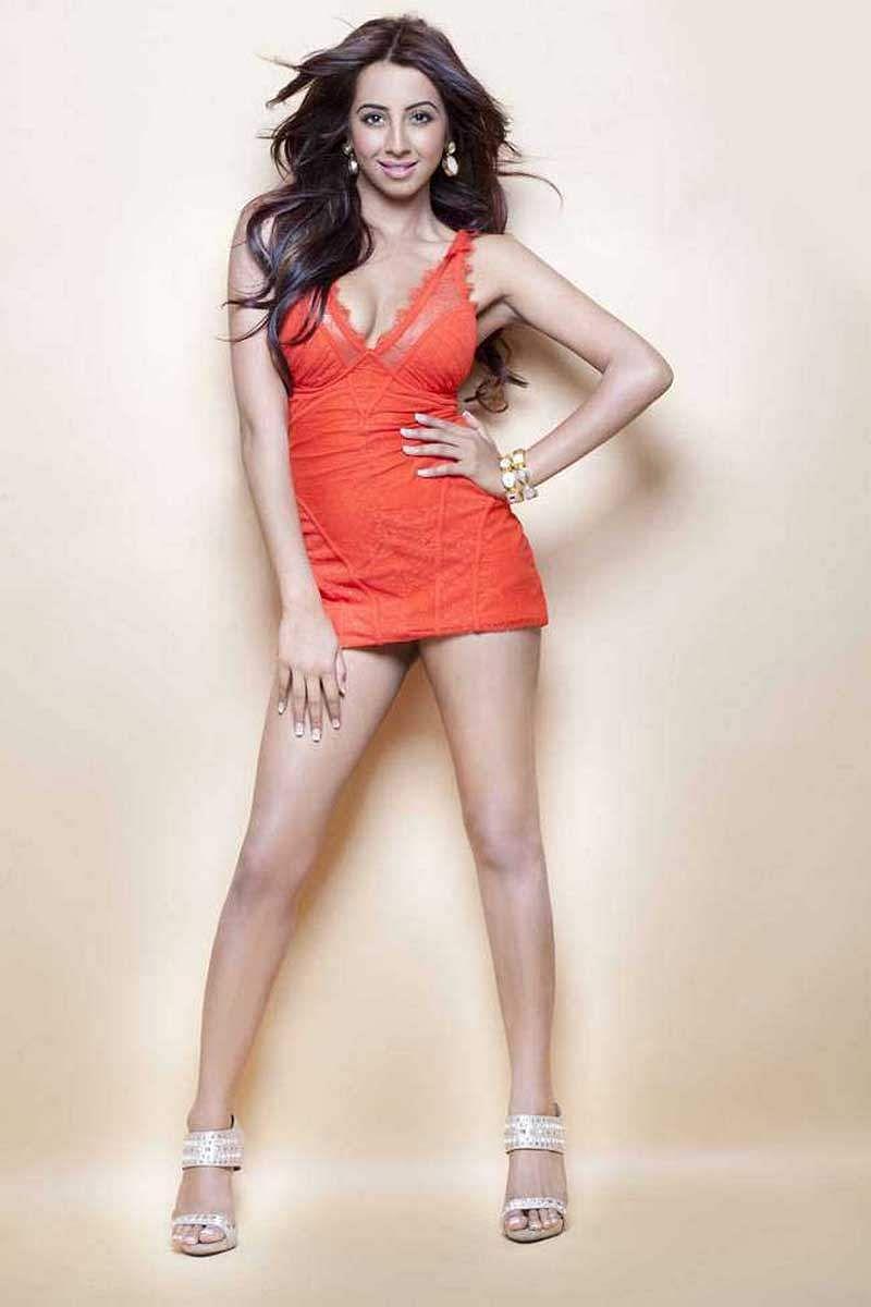 Actress_Sanjjana_Galrani_Stills_011