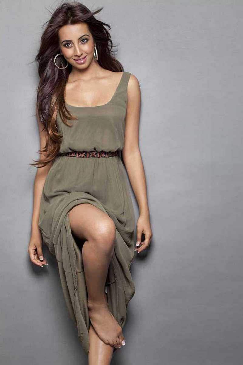 Actress_Sanjjana_Galrani_Stills_014