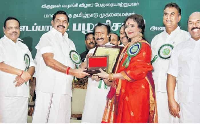 200 பேருக்கு கலைமாமணி விருது: மூத்த கலைஞர்களுக்கு இருக்கைக்கே சென்று வழங்கினார் முதல்வர் Cm1