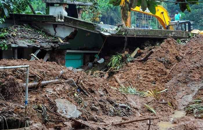 கேரளத்தில் இயல்பு நிலை திரும்புகிறது: பலி எண்ணிக்கை 104 ஆனது Kerala
