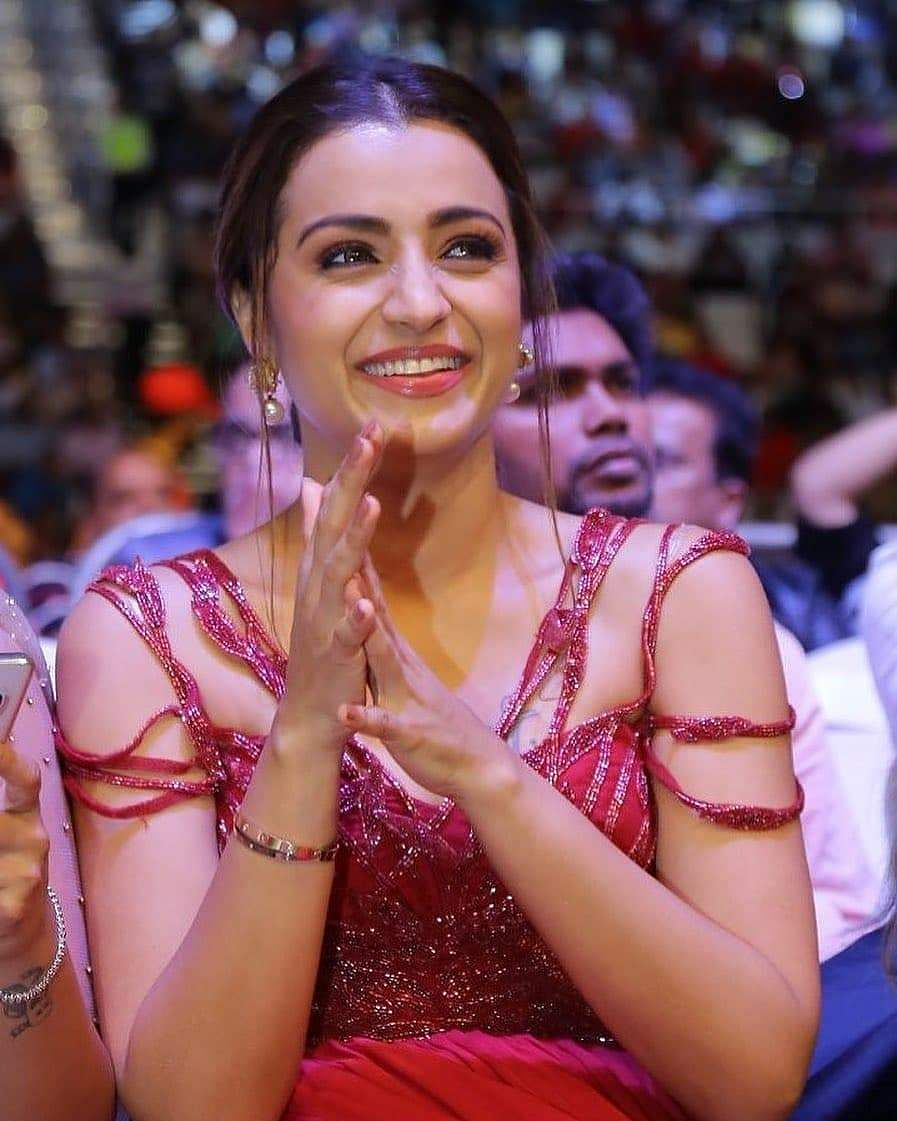 trisha krishnan in siima awards
