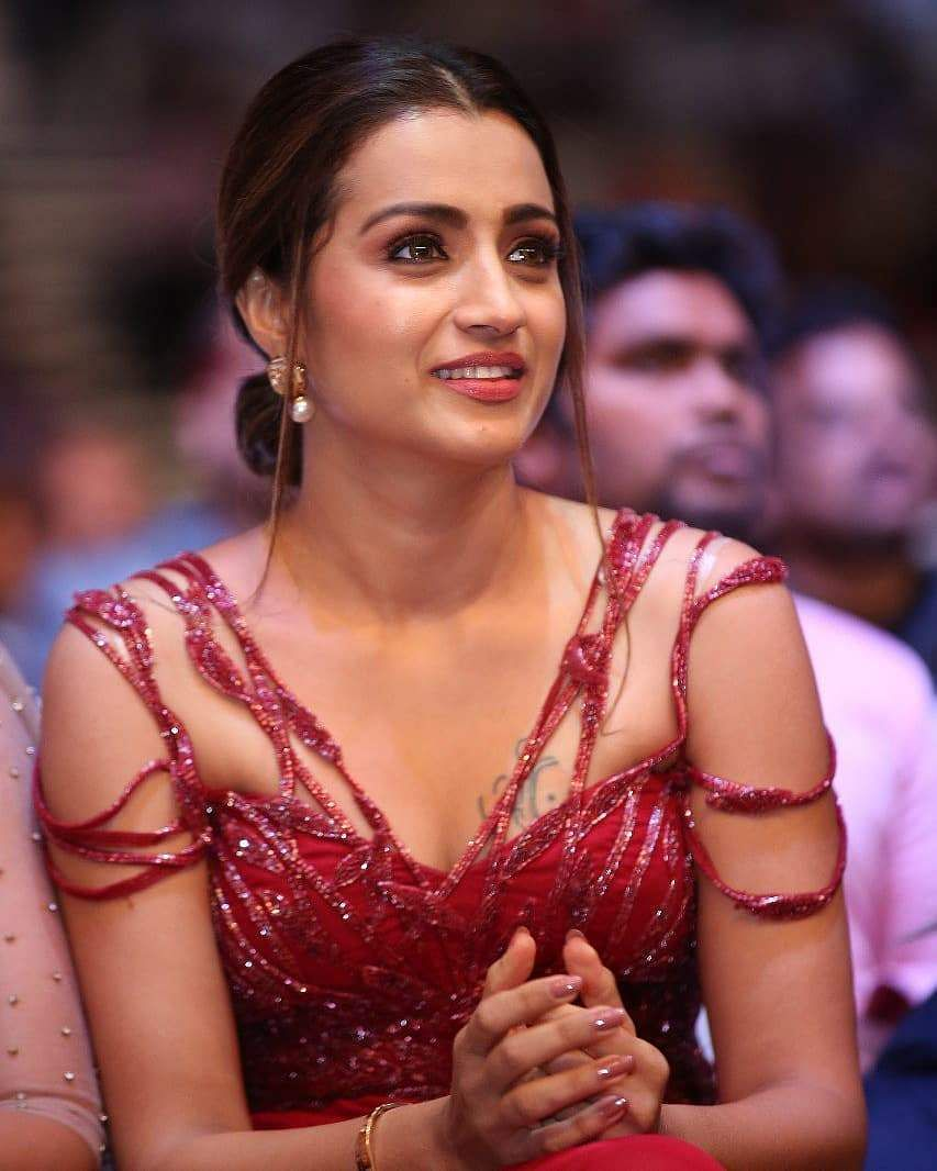 trisha in gorgeous red dress