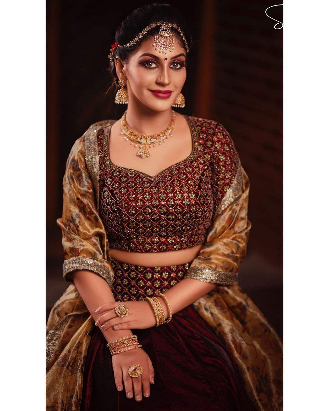 yashika anand traditional images