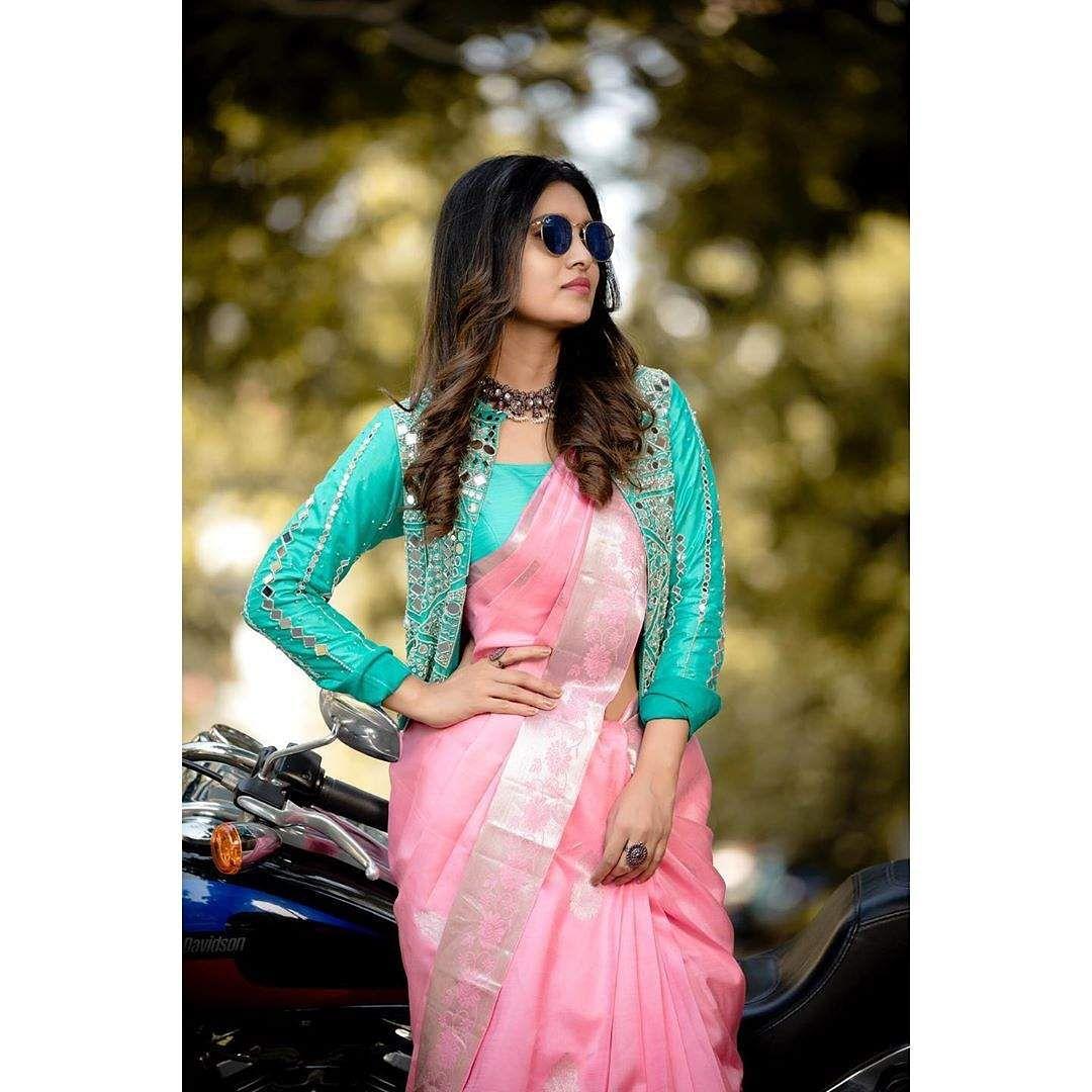 Actress vani bhojan photo stills