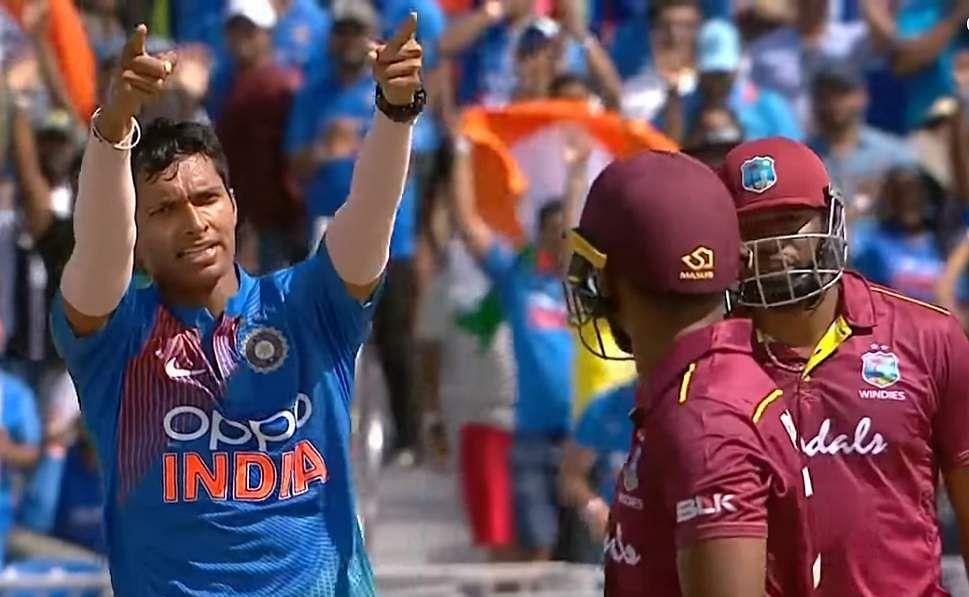 saini_first_wicket1xx