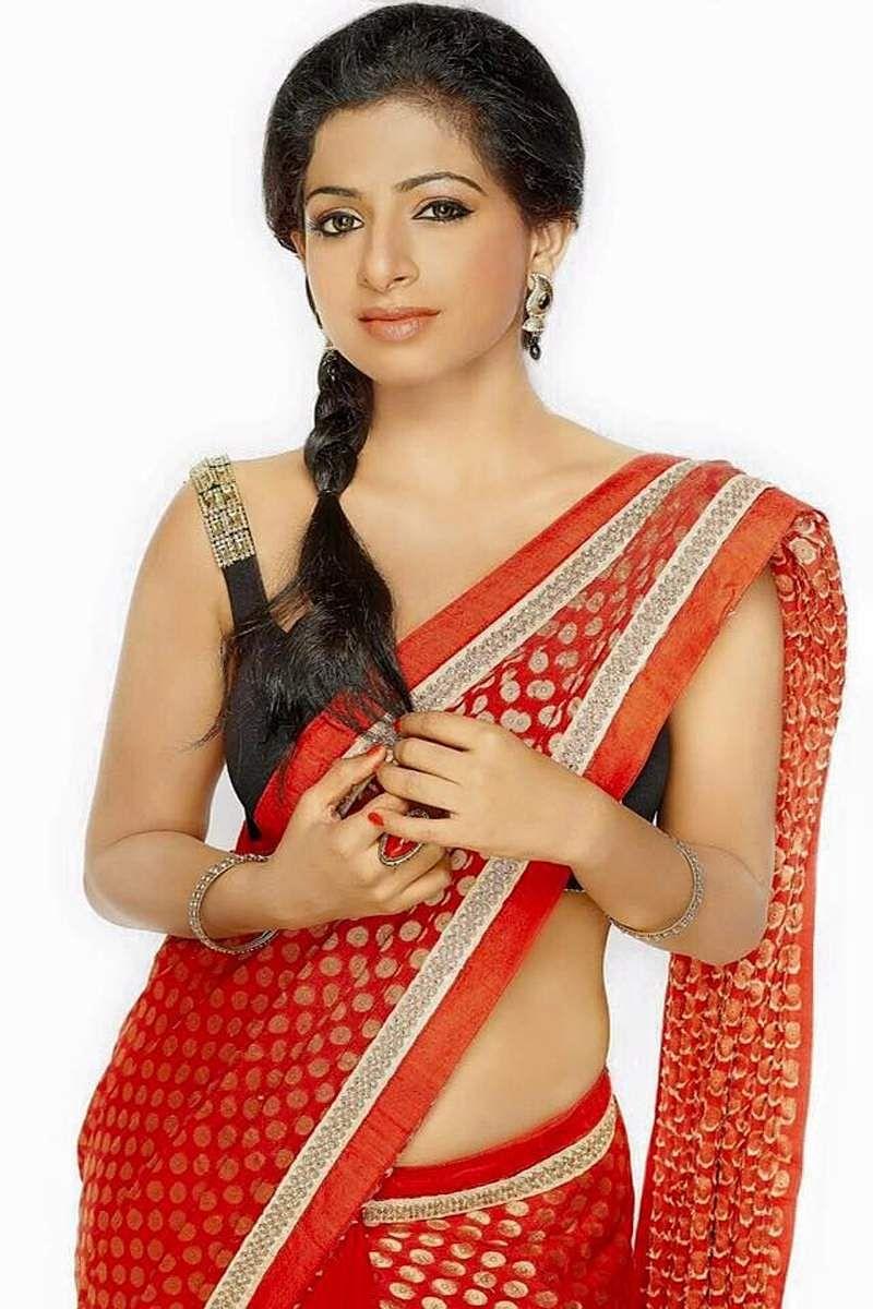 Aishwarya_Menon-2