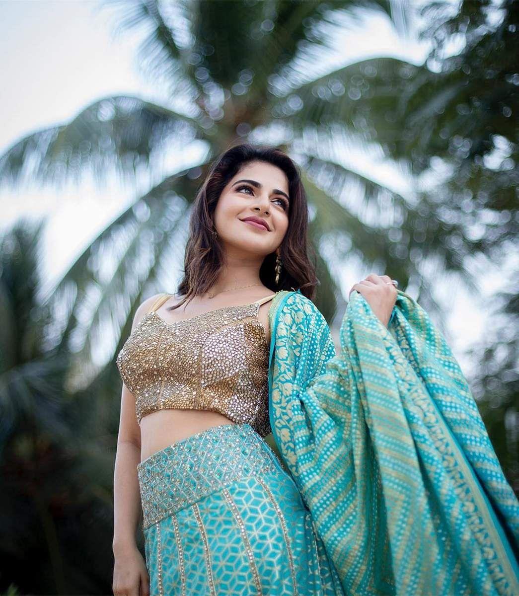 Aishwarya_Menon-5