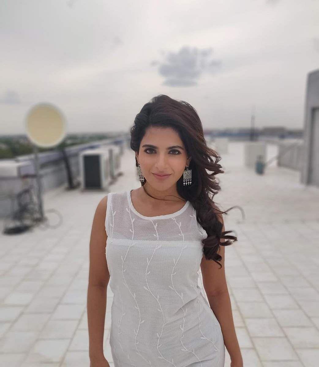 Aishwarya_Menon-8