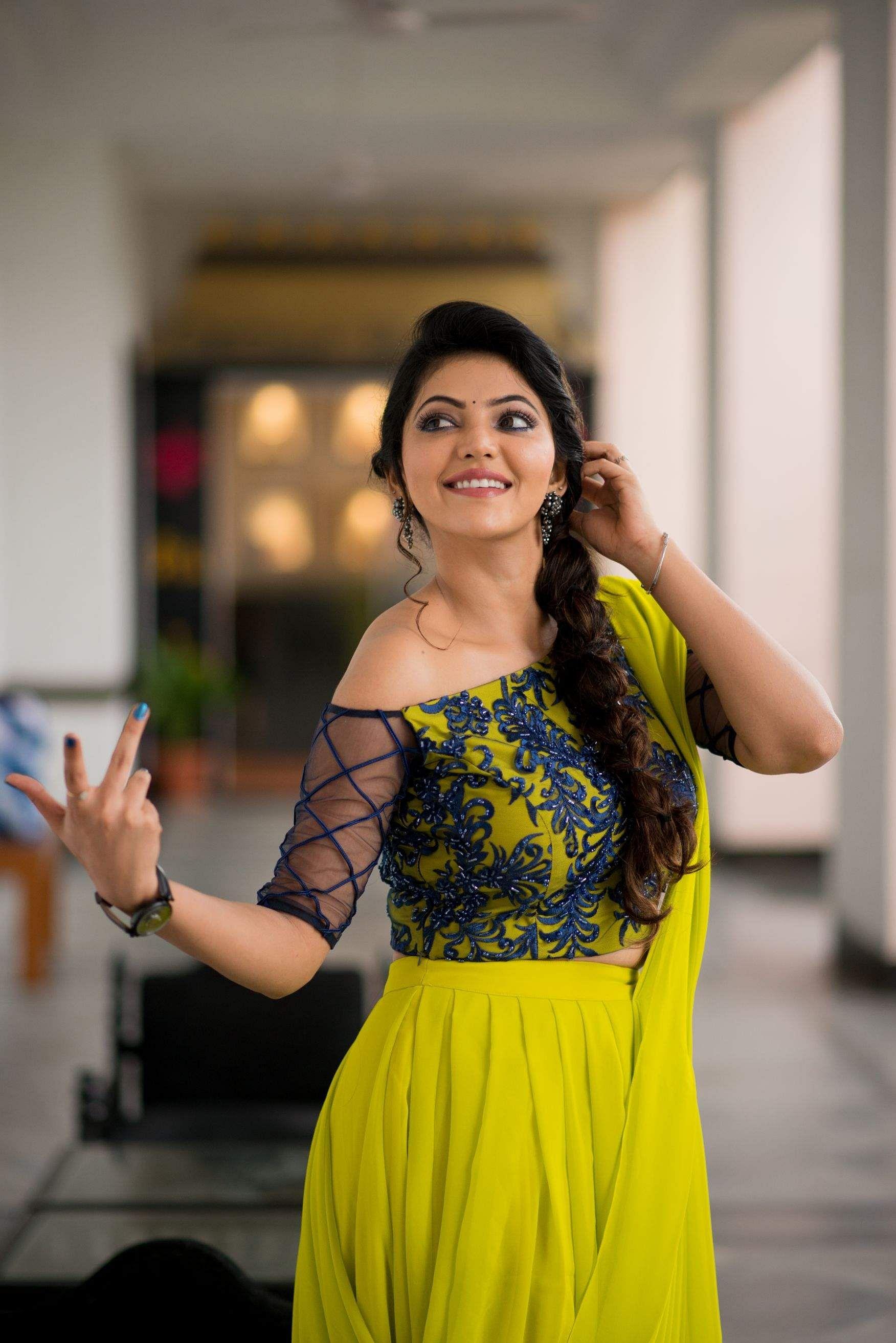 Athulya Ravi Photo images