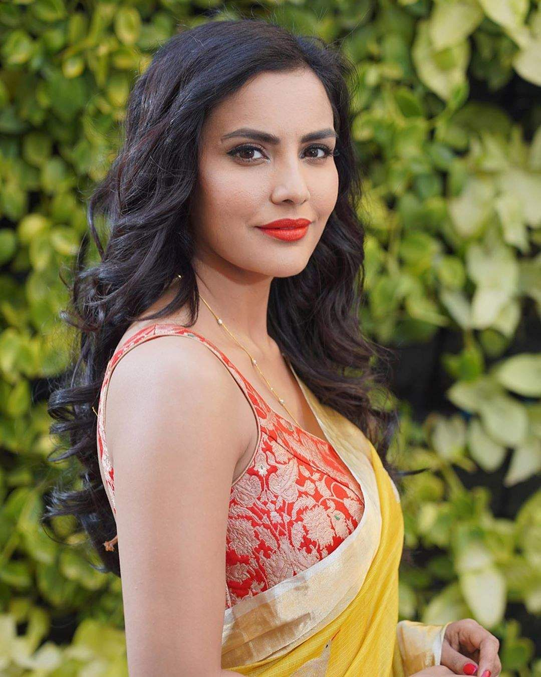 Actress priya anand in yellow saree