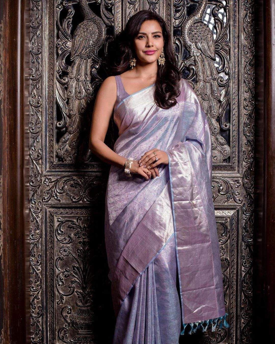 Actress Priya Anand  in saree