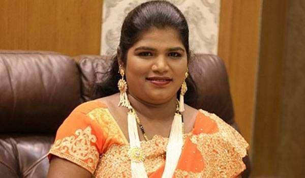 பெண் குழந்தைக்கு பெயரிட்ட அறந்தாங்கி நிஷா Aranthangi_nisha