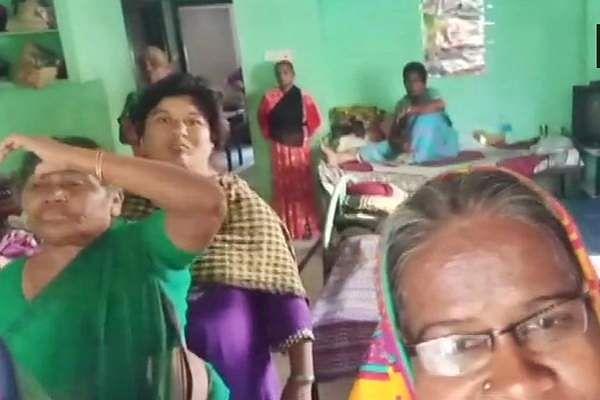 முதியோர் இல்லத்தில் அடைத்துவைக்கப்பட்டிருந்த 73 பேர் மீட்பு Old_age_home_in_Nagaram_village