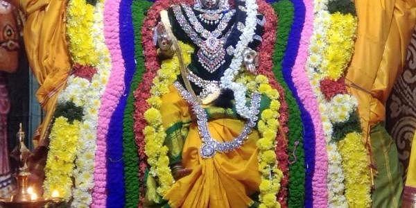 நவராத்திரி வைபவத்தில் முதல் நாள் ஸ்ரீ கன்னியம்மன் அலங்காரம்.