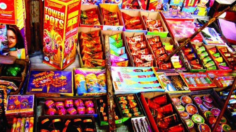 NGT imposes total ban on sale or use of all kinds of  firecrackers in delhi