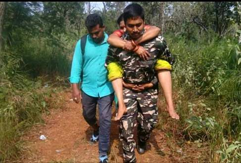 Guard to rescue an old woman who was stranded in the forest