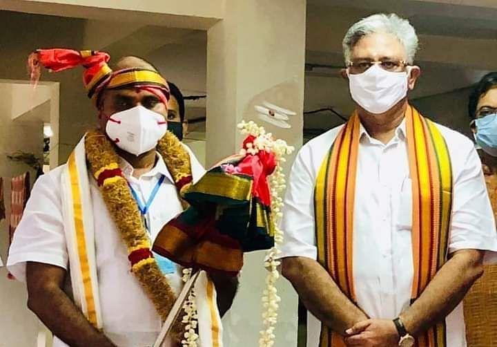 rajinis-party-chief-coordinator-arjunamurthy-is-from-bjp