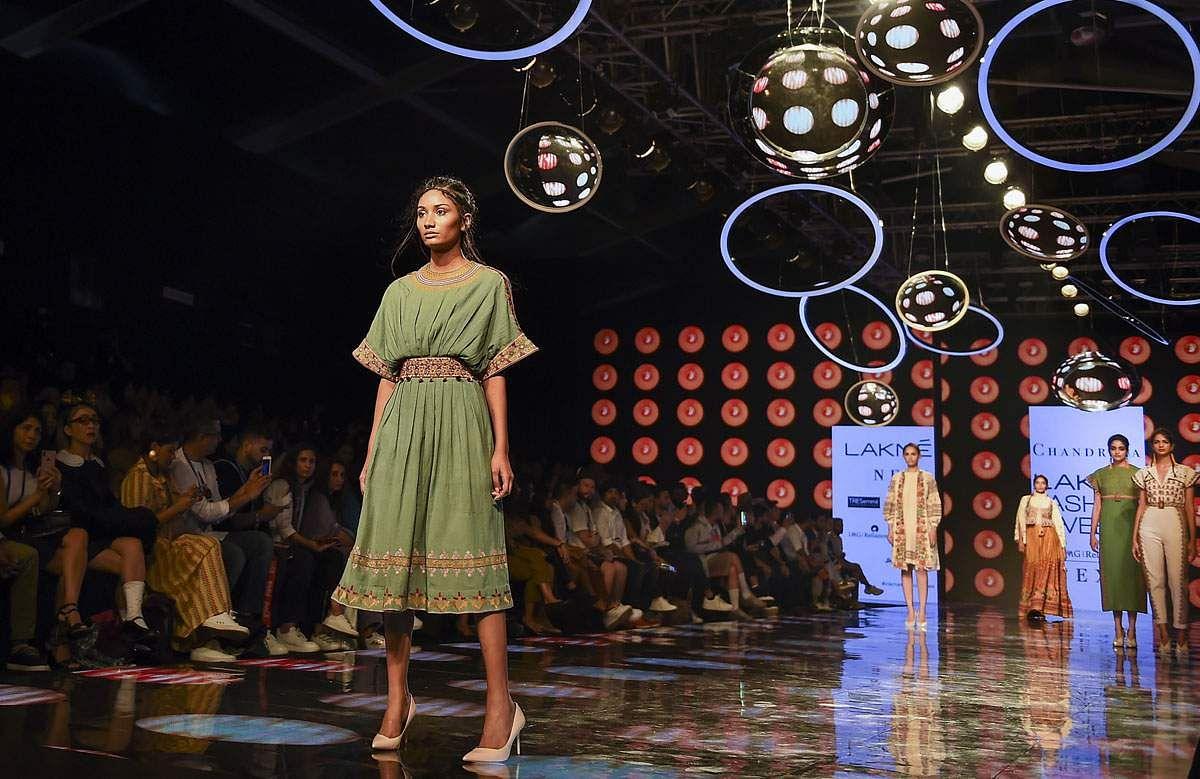 lakme-fashion-show-2