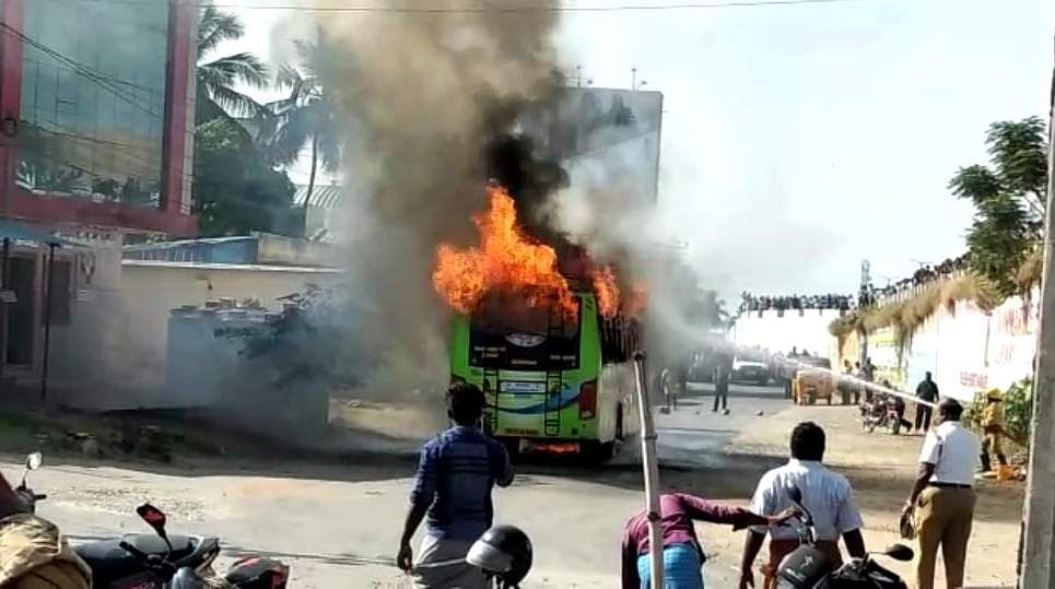 salem_bus_caught_with_fire_3