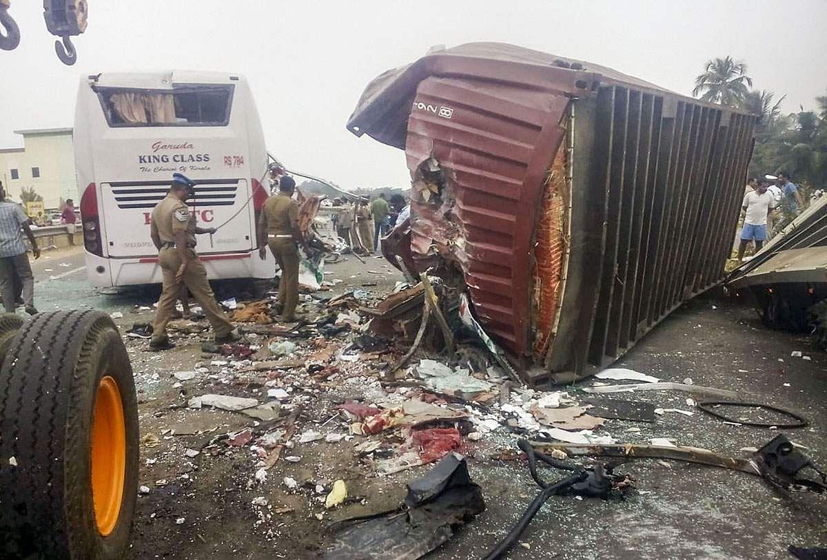 bus-accident-15