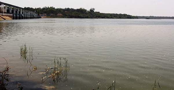 water flow to poondi lake