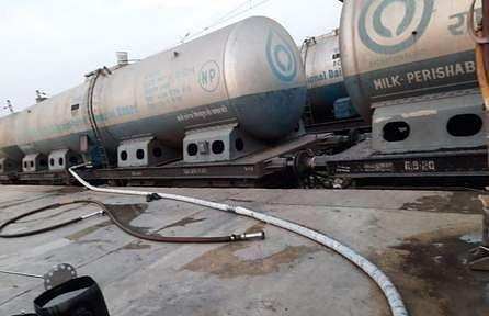 26tpt_milk_tanker_to_delhi_2603chn_193_1