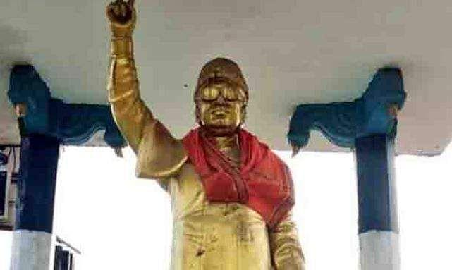 MGR statue in Pondicherry